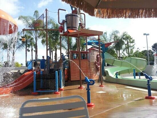 Howard Johnson Anaheim Hotel and Water Playground: Water park