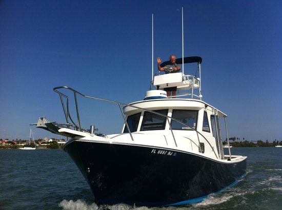 """Dive Clearwater's 32' Sermons built dive boat """"Plunger""""."""