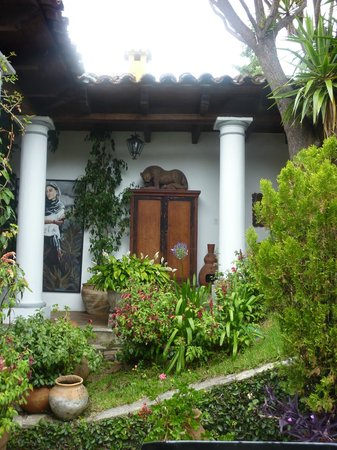 Casa Felipe Flores: Lovely courtyard