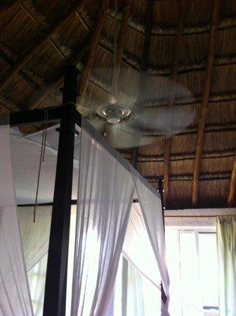 Hotel Labnah: Ceiling fan - worked perfect