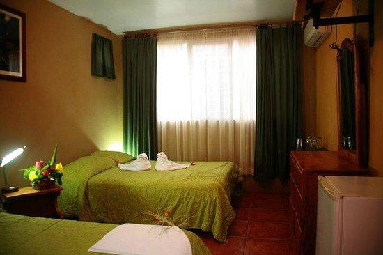 Hotel & Villas Huetares: Habitacion doble