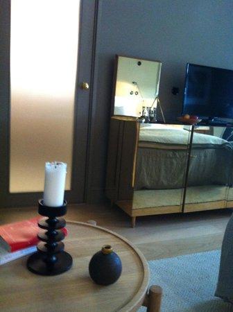Ett Hem: Room