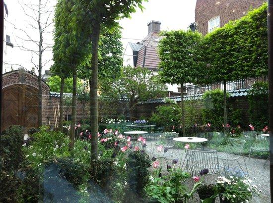Ett Hem: Garden