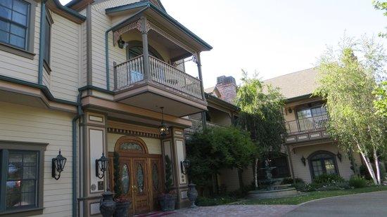 Santa Ynez Inn: The Inn