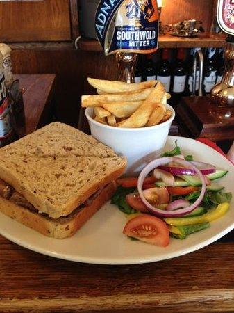 The Newmarket Inn: Sausage Sandwich