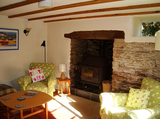 Watermill Cottages: Rose Cottage log burner