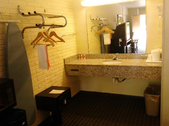 Rodeway Inn & Suites: our vanity area :)