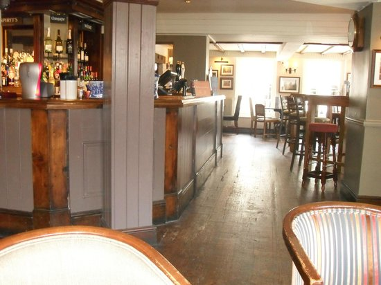 Ye Olde Talbot: part of the bar lounge