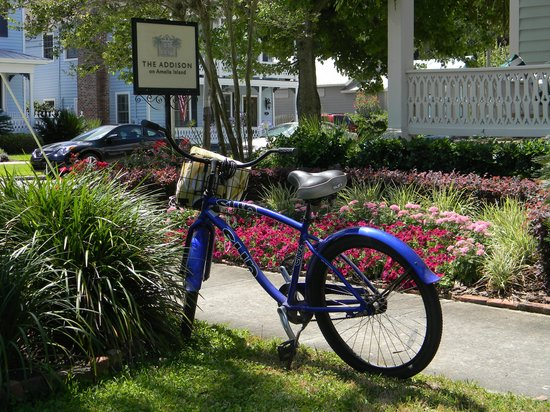 The Addison on Amelia Island: Going out for a bike ride- In front of the Inn!
