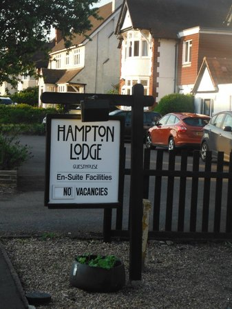 Hampton Lodge: Comfortable, cozy and great place walking distance into the village