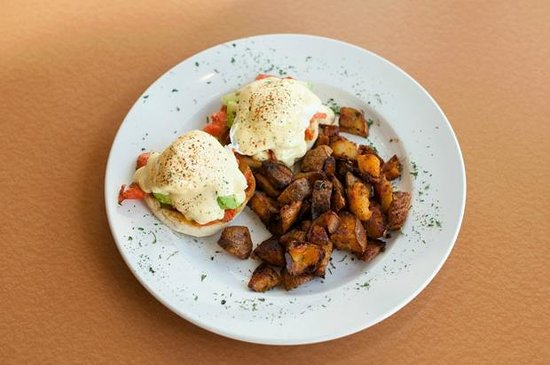 Stone's Throw Restaurant: West Coast Eggs Benidict