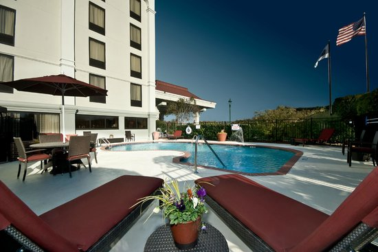 Hampton Inn Winston-Salem - I-40 / Hanes Mall: Outdoor Saltwater Pool