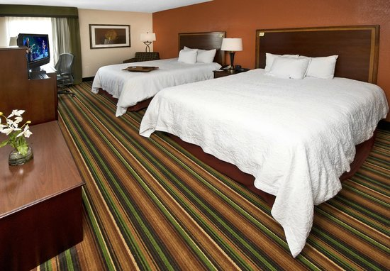 Hampton Inn Winston-Salem - I-40 / Hanes Mall: Two Queen Room