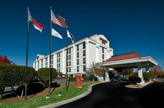 Hampton Inn Winston-Salem - I-40 / Hanes Mall: Hotel exterior