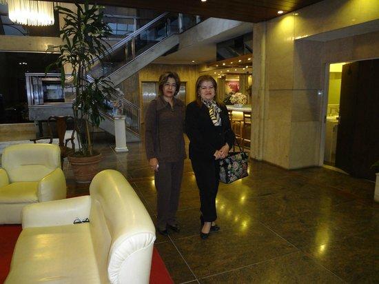 Embajador: Hall de entrada do hotel