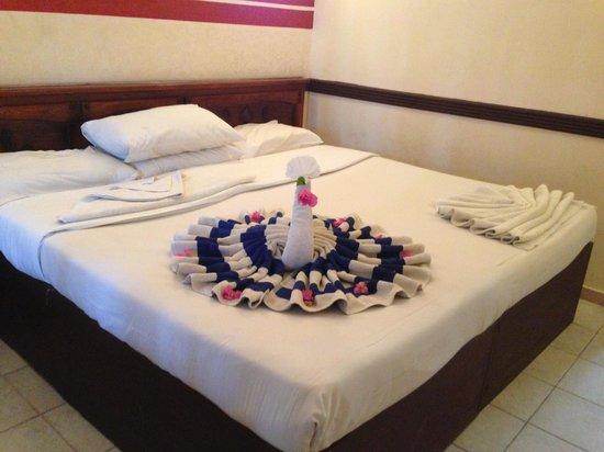 Ocean Club Hotel: Nice towel work:)