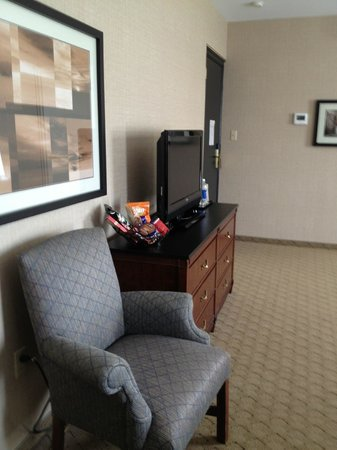 The Lord Nelson Hotel & Suites: Spacious sitting area