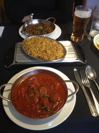 The Ameena: vindaloo and lamb sag excellent