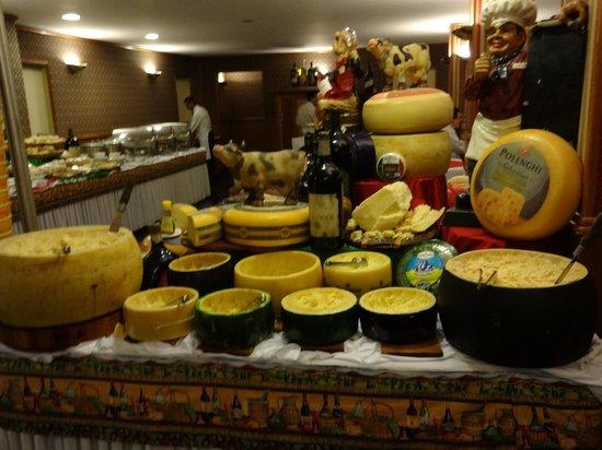 Hotel Bella Italia: Vinhos e Queijos maravilhosos! Sommeliers bem preparados!!! Parabéns!!!