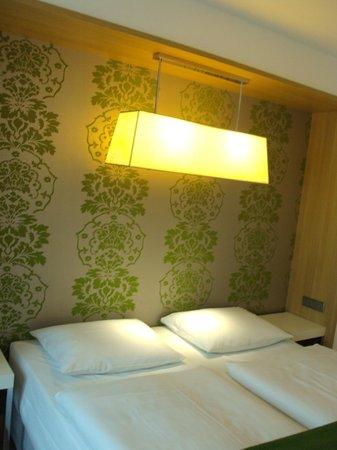 NH Berlin Potsdamer Platz: Room 1