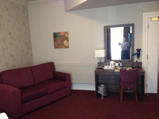 Talardy Hotel: The room