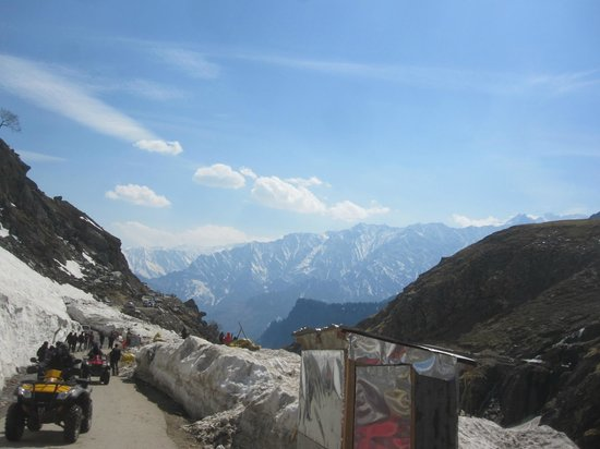 View While Going To Rohtang P