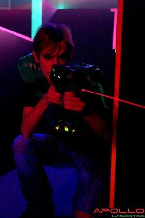 Apollo Lasertag: Shooting Lasers