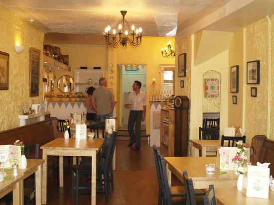 Burridge's Cafe Tearooms: Inside