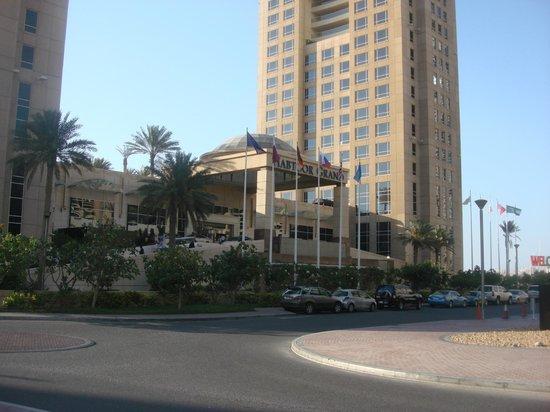 Habtoor Grand Resort, Autograph Collection, A Marriott Luxury & Lifestyle Hotel: Центральный вход