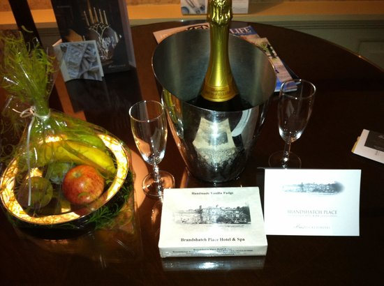 Brandshatch Place Hotel & Spa: Welcome gift