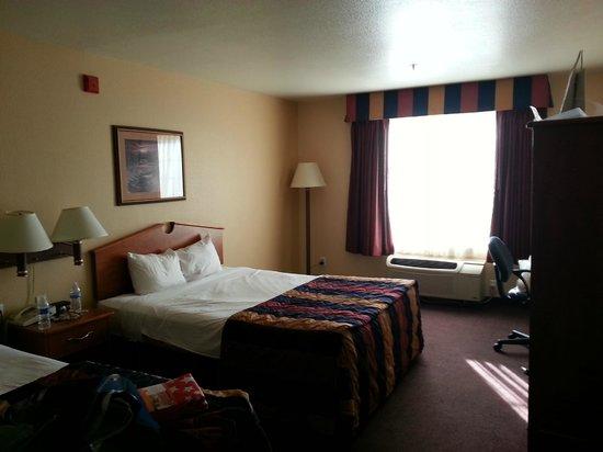 Hawthorn Suites by Wyndham Las Vegas/henderson : Room