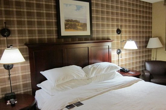 Sheraton Jacksonville: The room's bed