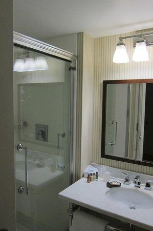 Sheraton Jacksonville: Bathroom
