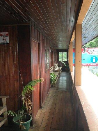 Hotel El Tucan: Upstairs hallway