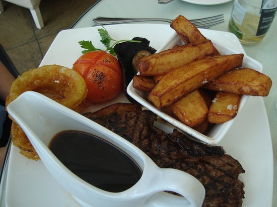 The Griffin: Sirloin and hand cut chips
