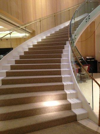 Alfonso Hotel: escalera