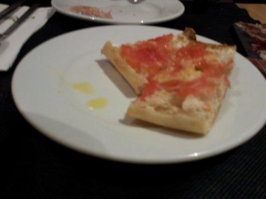Taperia Ordesa: pan tomate