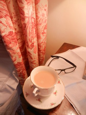 Home Farm Bed & Breakfast: pink room