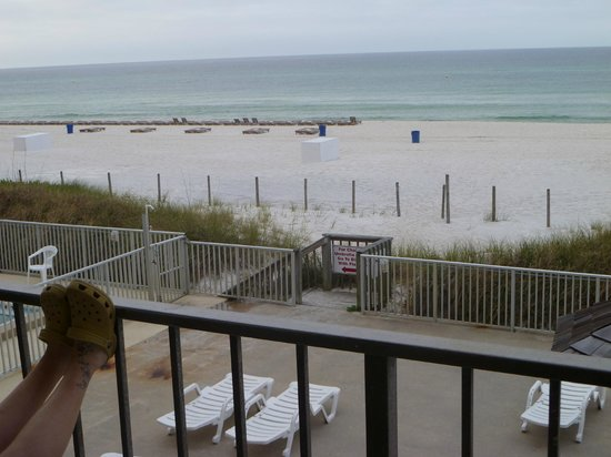 Seascape Inn: Beach view from room