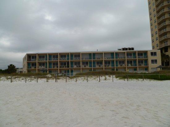 Seascape Inn: Seascape from the beach