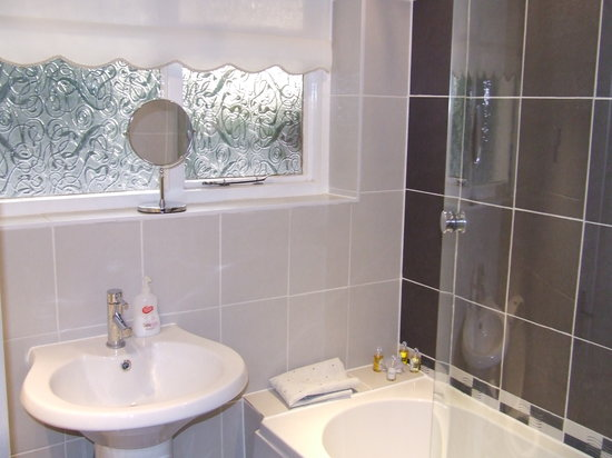 Grove Flock Farm Bed and Breakfast: Bathroom room 2
