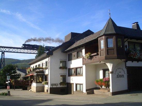 Loewen: Dampfbahn