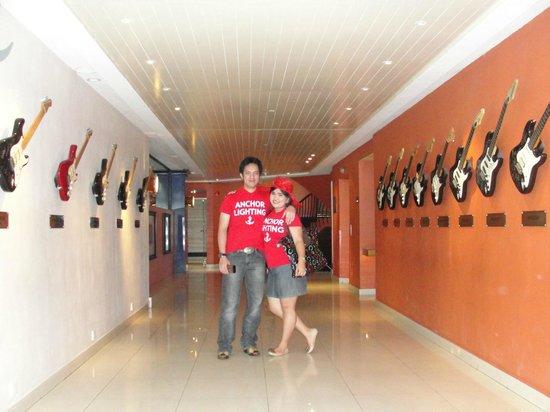 Hard Rock Hotel Bali: lorong gitar