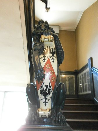 Boston Manor Park: Lion on the newel post