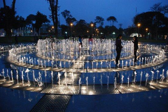 Lima, Peru: La fuente del Laberinto del Ensueño