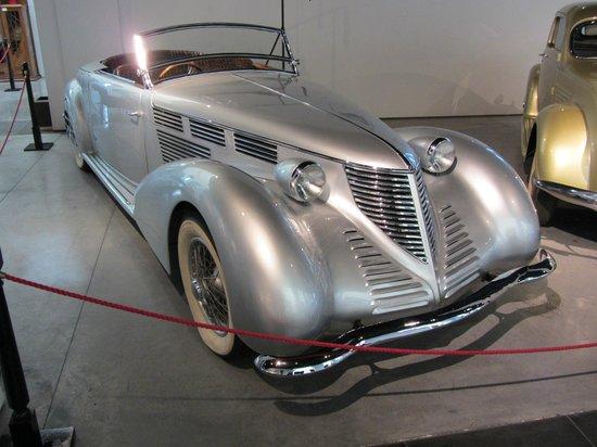 Automobile and Fashion Museum: 1938 Lancia, V8, 2972cc, Astura model.