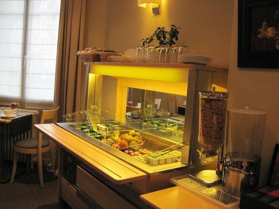 Hotel Ronsard : breakfast hotch