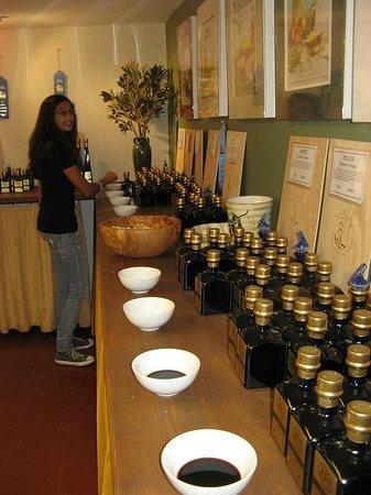 Ojai Olive Oil : Olive Oil and Balsamic Vinegar Tasting