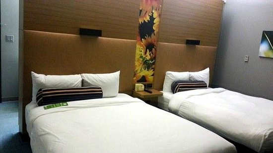 Aloft Rogers-Bentonville: Clean and comfy beds, with plenty of room.