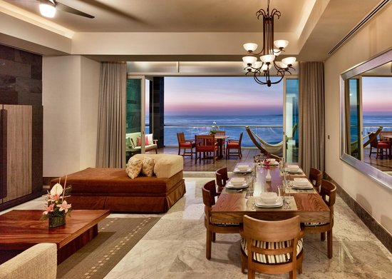 Grand Luxxe Nuevo Vallarta Living Room